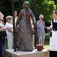 Statue von Katharina von Bora im Lutherhof in Wittenberg © Jürgen Blume, IMG.jpg